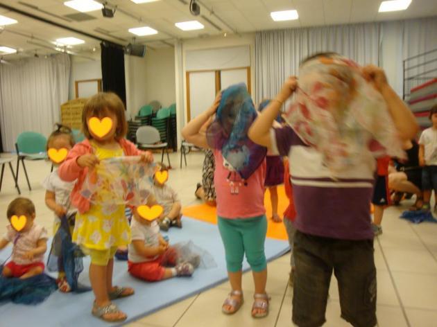 danse avec les foulards